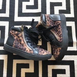 Steve Madden Girls Leopard High Top Sneakers